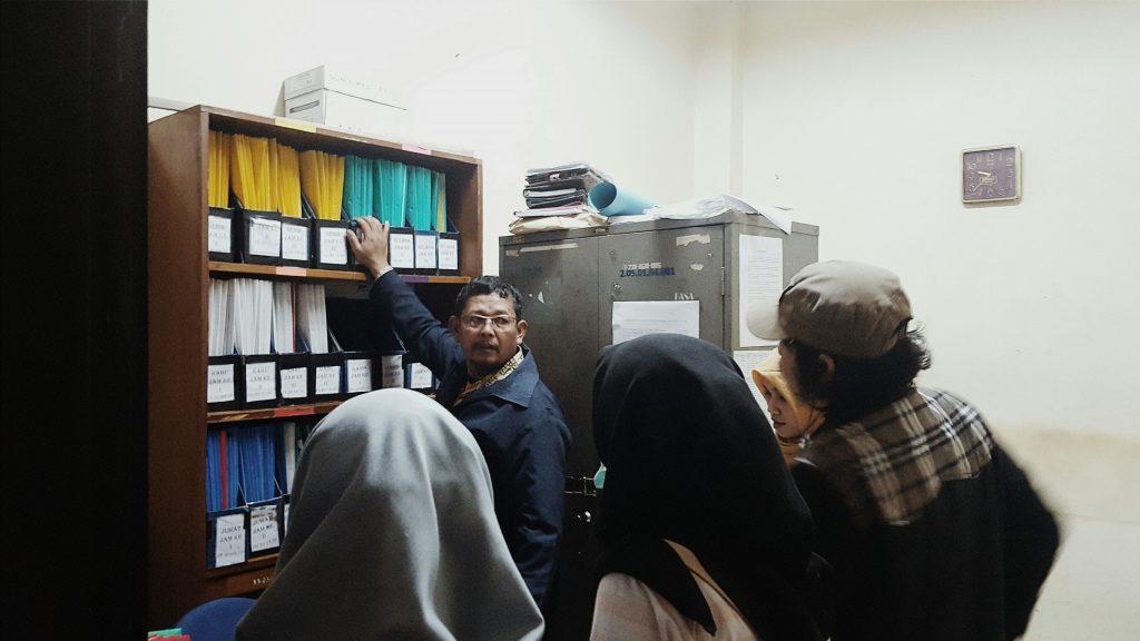 Beberapa mahasiswa memadati Foto: NA