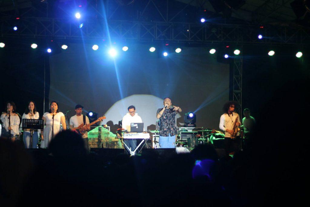 Teza Sumendra meramaikan Malam Poentjak Mega Forsi 2016 Jumat malam lalu. Foto: abdulrizaalll